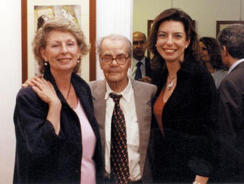 Giuseppe Bonaviri con Giuseppina Manno e Laura Romano durante l'incontro con l'autore in galleria, il 24 maggio 2001