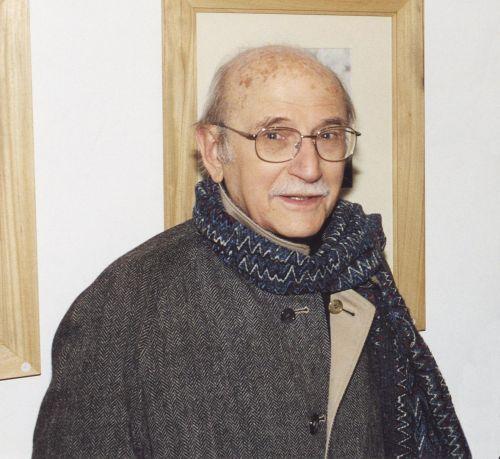 """Renato Tosini all'inaugurazione della Personale """"L'ombra e lo specchio"""" il 24 maggio 2004"""
