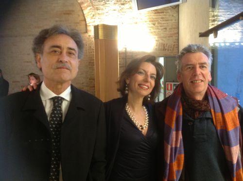 Pedro Cano, Laura Romano e Peter Bartlett all'inaugurazione della personale di Cano